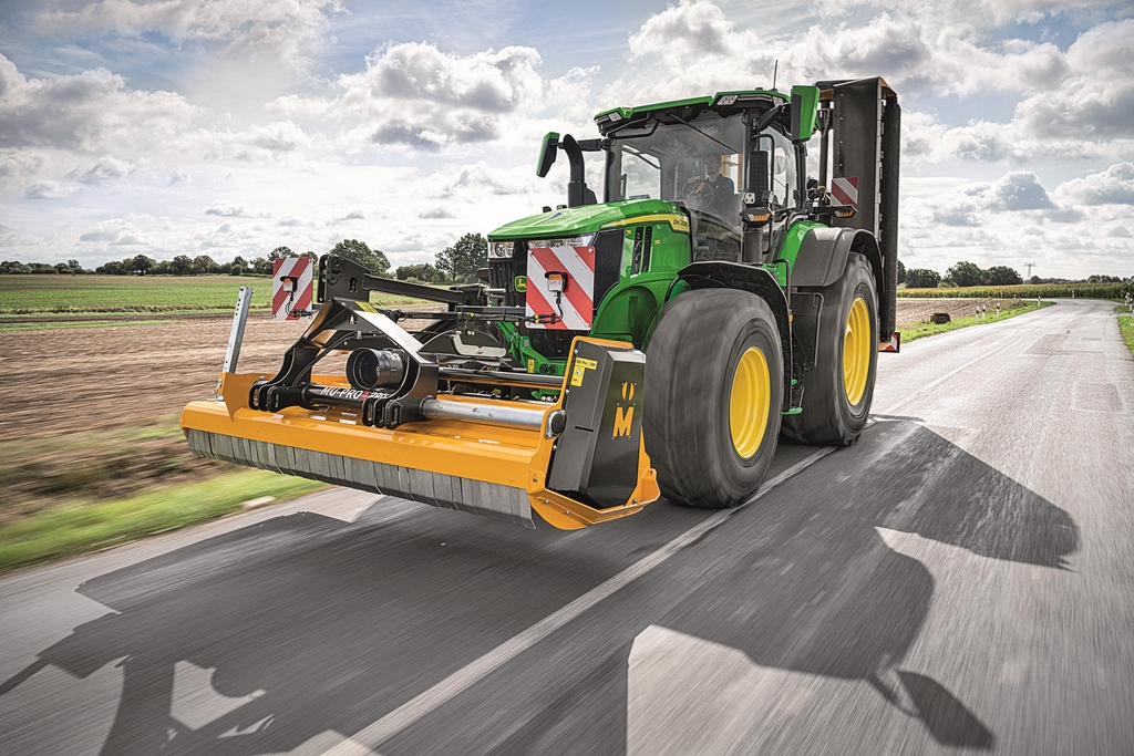 tracteurs JOHN DEERE 7R (2)